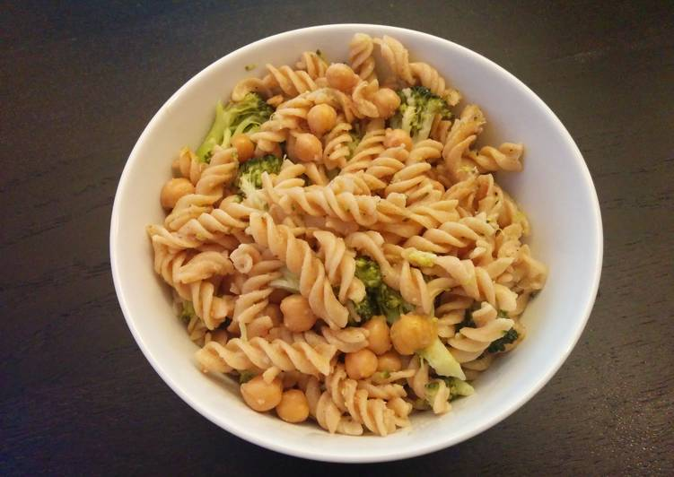 Steps to Make Perfect Rotini with Broccoli and Chickpeas