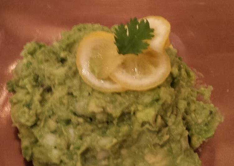 How to Prepare Speedy Guacamole! A Simple, Delicious Mexican Sauce