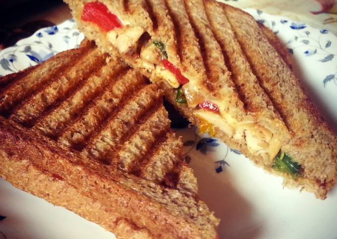 Recipe of Perfect Peppers Chicken thights Sandwitch