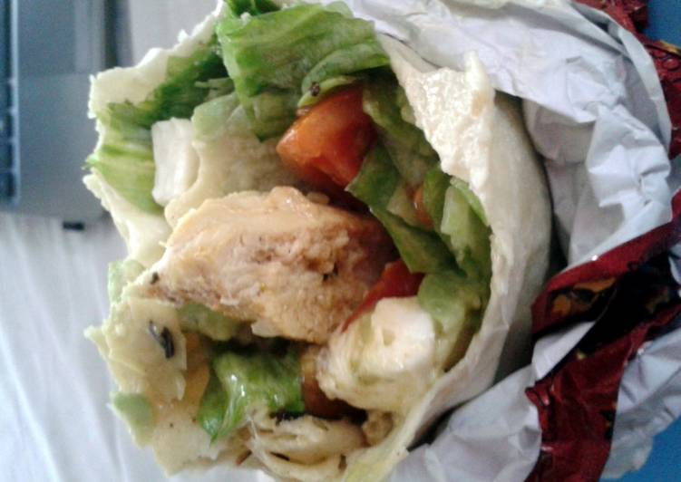 Recipe: Tasty Grilled chicken burrito