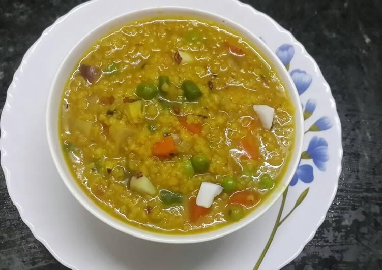 Instant pot moong dal khichdi