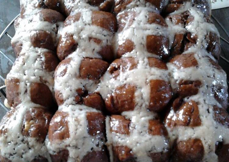 How to Prepare Appetizing Ladybirds Chocy Choc Cross Buns