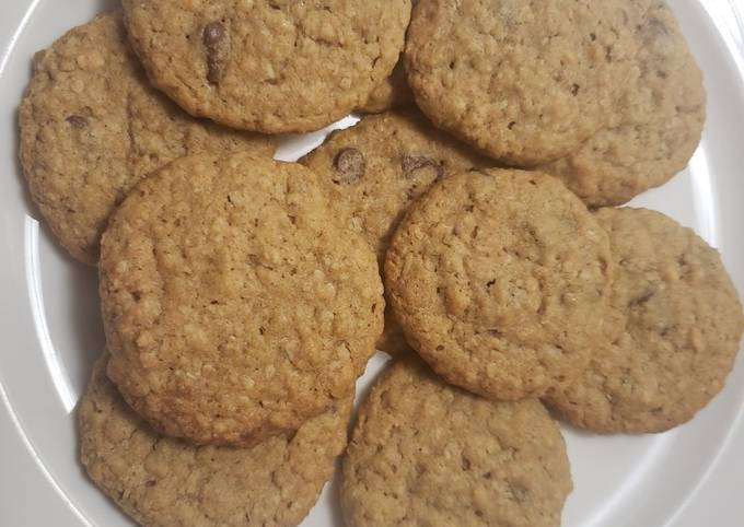 Recipe Delicious Peanut butter oatmeal chip cookies