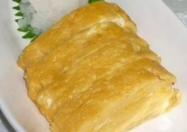 Simple Way to Make Super Quick Homemade Basic Dashi Tamagoyaki – With Instructions for Rolling