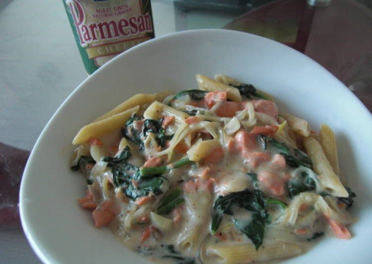 Salmon & Spinach Penne in 10 Minutes
