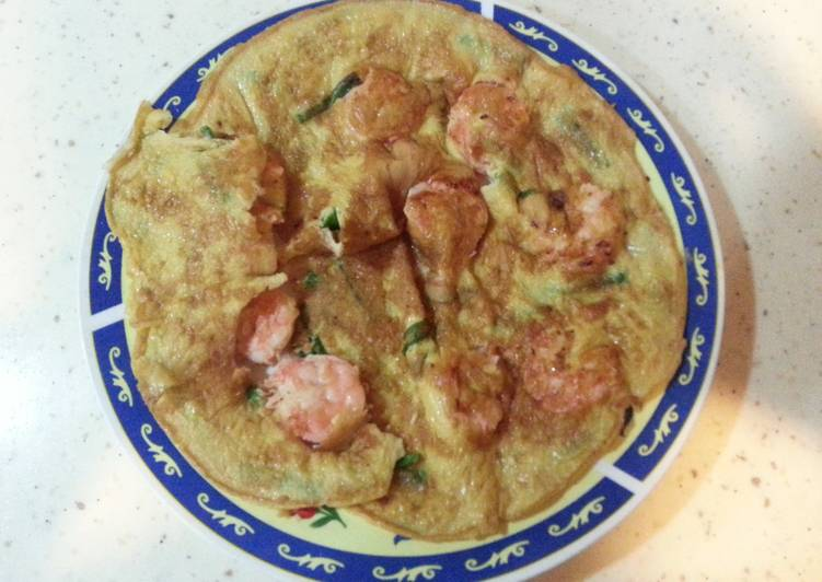 How to Cook Delicious Shrimp & Spring Onion Omelette.