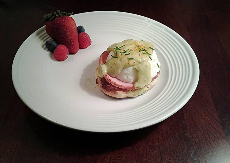 Eggs Benedict with Avacado Hollandaise Sauce