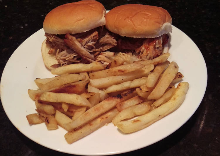 Easiest Way to Cook Delicious BBQ Pulled Pork Sandwich