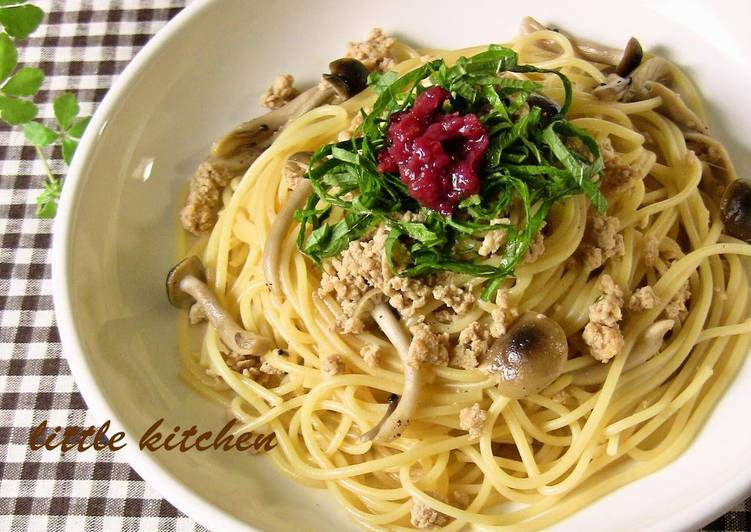 5 Minute Easiest Way to Make Love Japanese-style Pasta with Chicken Soboro and Shimeji Mushroom dressed in Pickled Plum Sauce