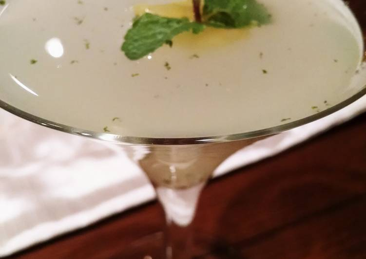 How to Prepare Top-Rated The Lemon Drop Mint Martini