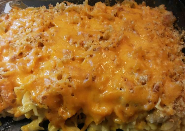 Recipe of Favorite Cheesy Chicken Noodle Casserole