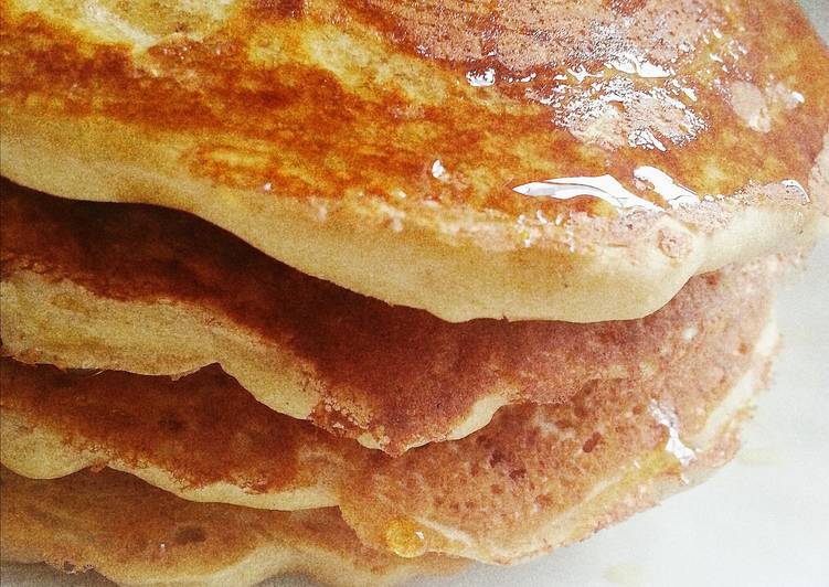 Healthy fluffy pancakes