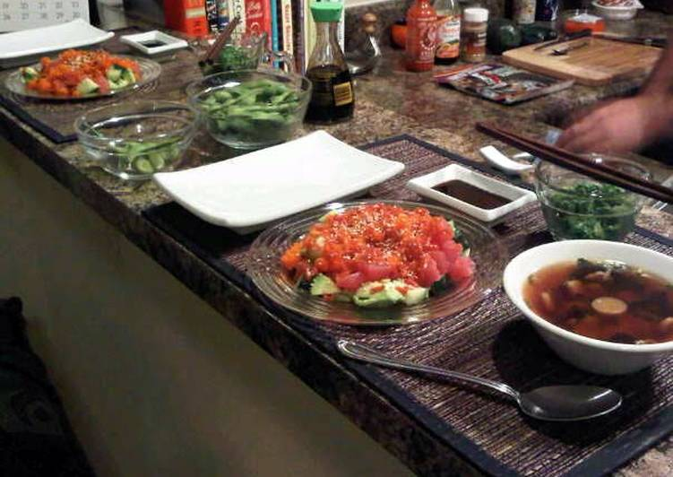 How to Prepare Appetizing Spicy Sashimi Tuna Salad