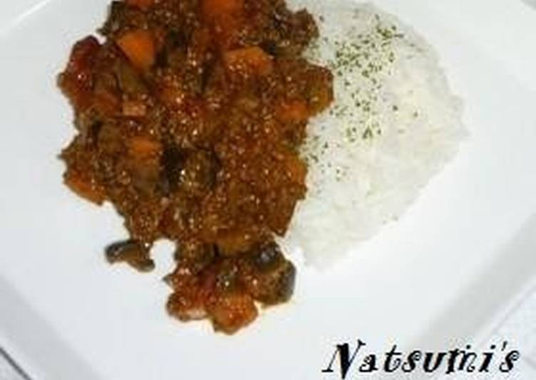 Dry Curry with Eggplant and Tomato