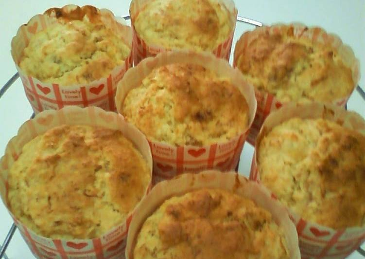 Egg-free Grated Apple and Banana Muffins