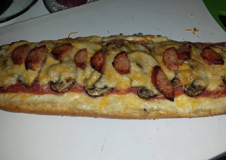 Alfrado French bread pizza