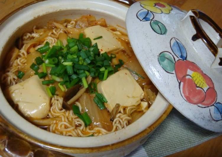 Recipe of Homemade Sort-of Kimchi Hot Pot