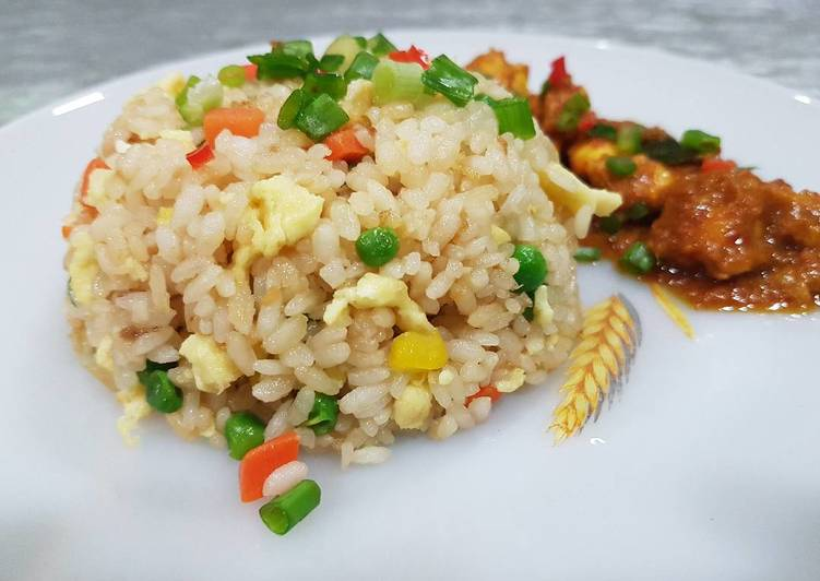 Student Meal: Chinese Fried Rice Tutorial