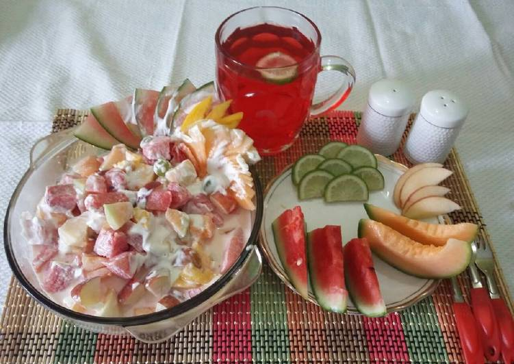 Fresh fruits salad with yummy fresh cream