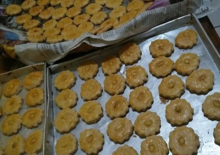 Kue kacang cookies lumer legit empuk