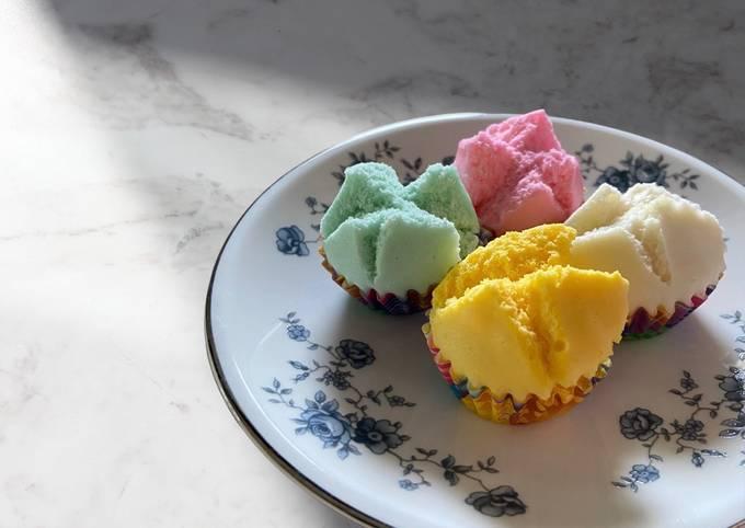 Mimi's ขนมถ้วยฟู Tiny Chinese Cupcakes (Steamed)