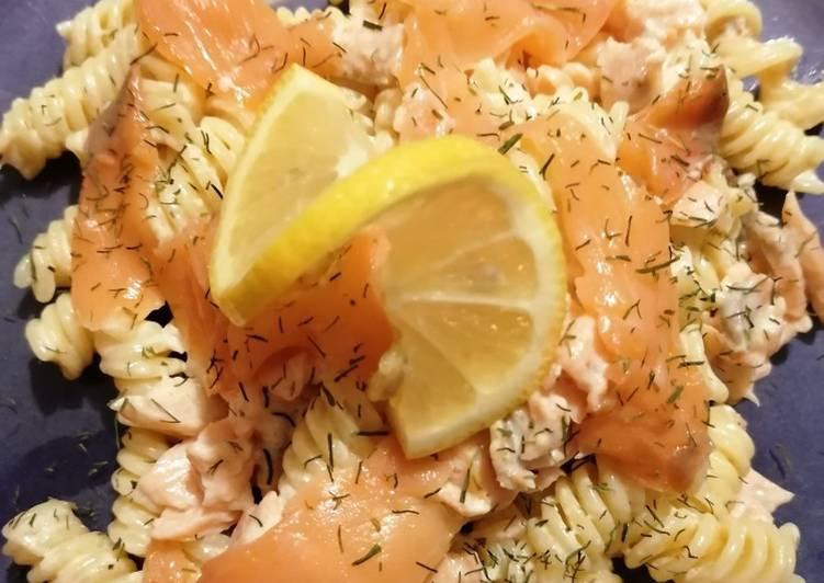 Pâtes aux saumon fumé et crème d'aneth