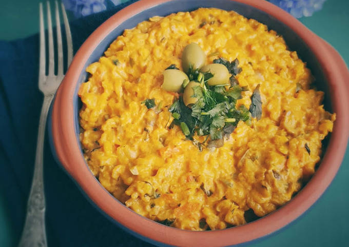 Riz crémeux thon, olives et petits légumes