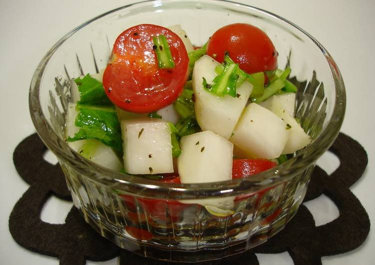 Recipe of Super Quick Homemade Turnip and Cherry Tomato Salad with Olive Oil