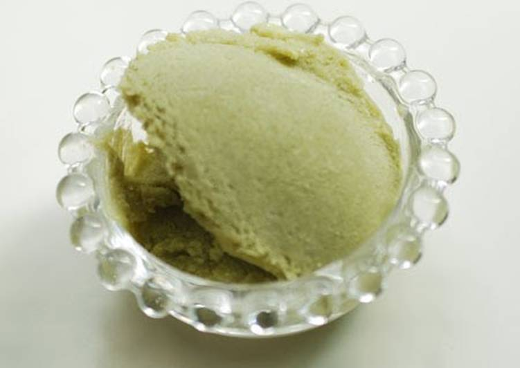 Avocado Ice Cream with Vegetable Based Ingredients Only