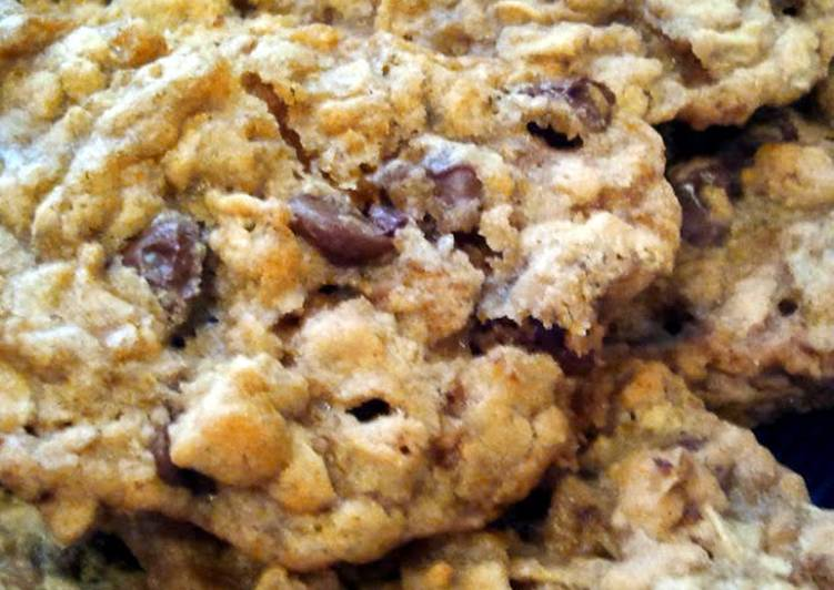 Chocolate Lovers Chewy Oatmeal Cookies, Cookie.