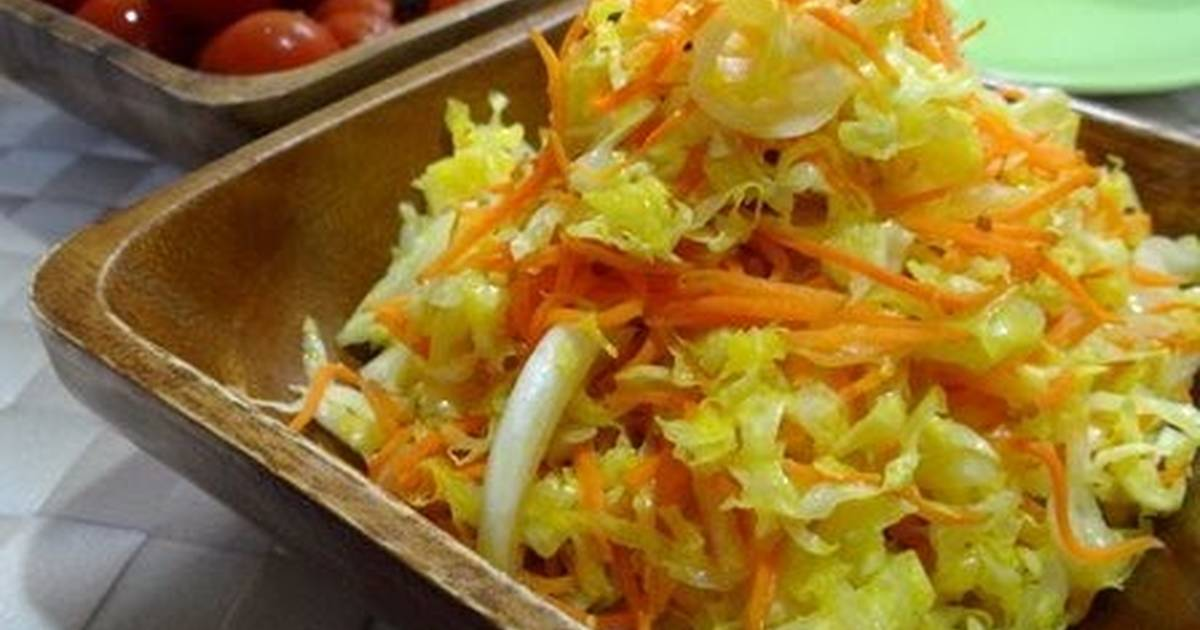 Shredded Cabbage and Carrot Salad