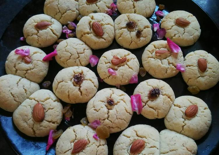 Choosing The Right Foods Will Help You Stay Fit And Also Healthy Almond raisin cookies
