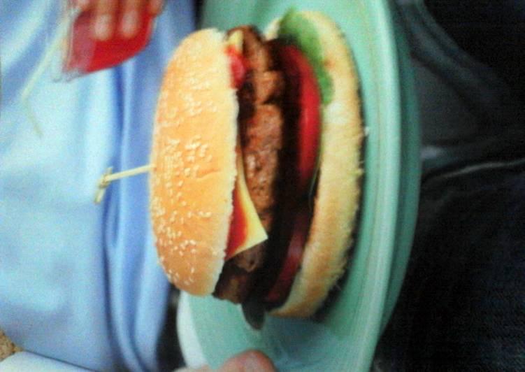 Easy Comfort Dinner Easy Refreshing cheeseburgers