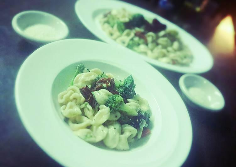How to Prepare Homemade Broccoli and Orecchiette