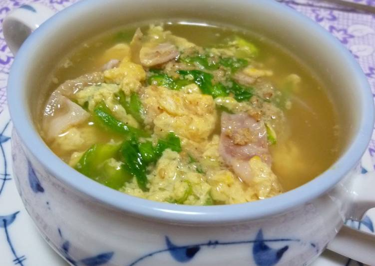 Chinese-style Sesame Soup with Bacon and Lettuce