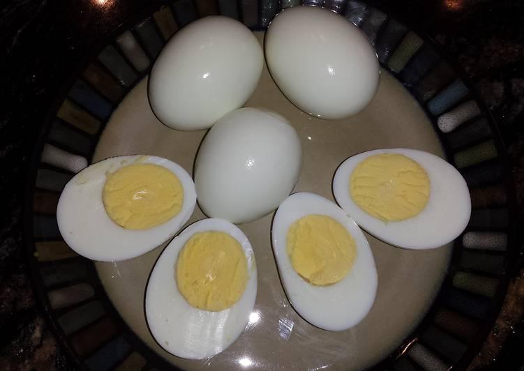 """Easiest Way to Prepare Most Popular """"Easy Peel"""" Hard Boiled Eggs"""