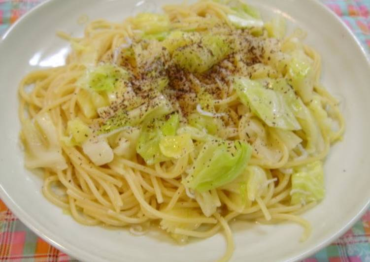 Foods That Can Make Your Mood Better Japanese-Style Cabbage Pasta with Just One Frying Pan