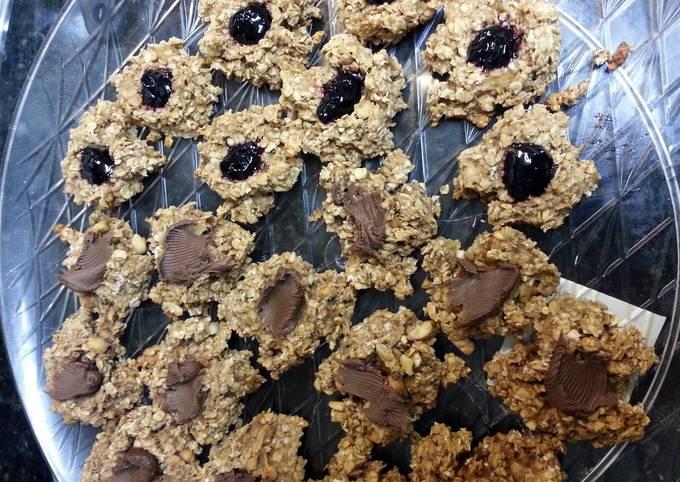 Secret to Have Appetizing PB&J Banana Oatmeal Cookies
