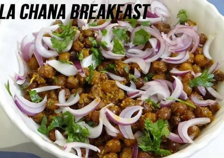 Simple Way to Prepare Ultimate Kala Chana Breakfast Recipe - Healthy Recipe