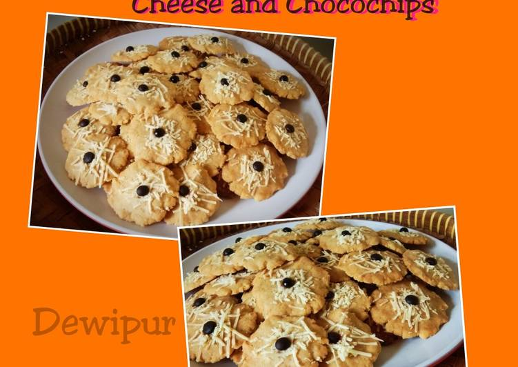 Vanila Cookies With Cheese and Chocochips Ala Dewipur