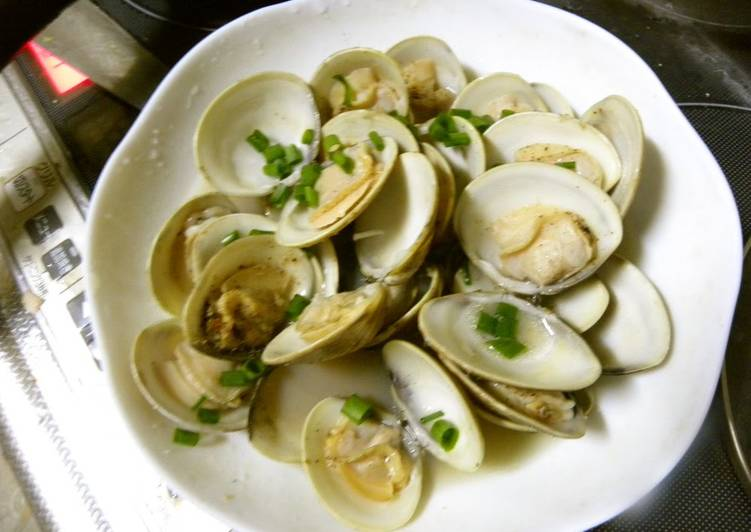 Recipe of Favorite Butter & Sake Steamed Clams