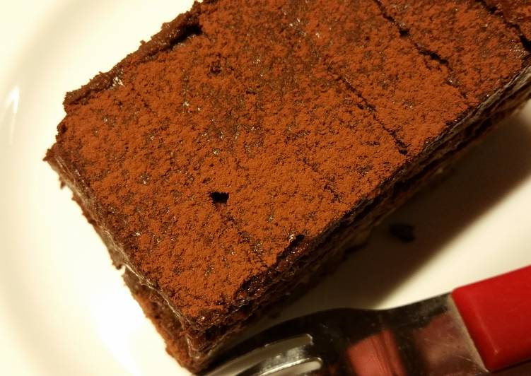 3 ingredients chocolate cake