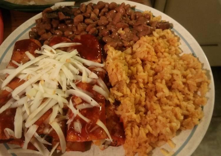 How to Prepare Quick Enchiladas Rojas (Red Enchiladas)
