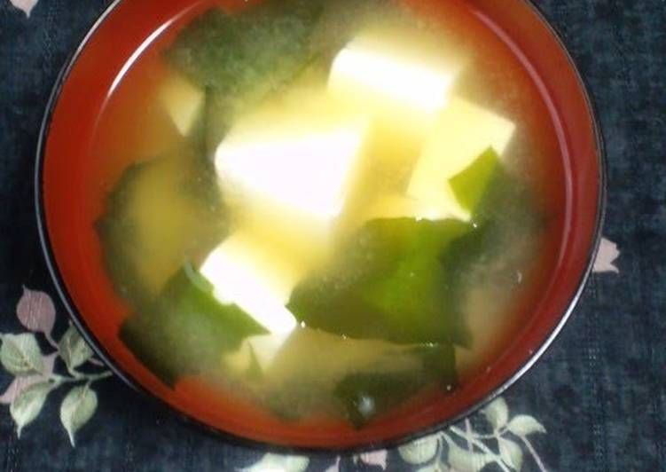 Easiest Way to Make Most Popular Super Easy Tofu & Wakame Miso Soup