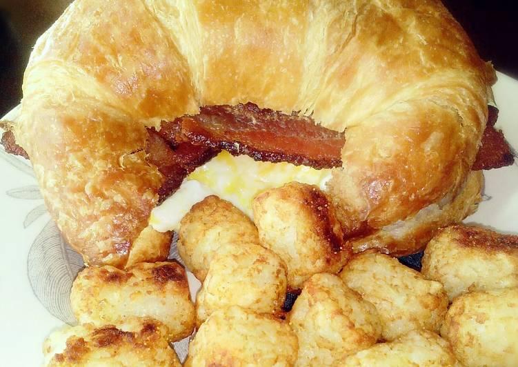 Crossaint Breakfast Sandwich
