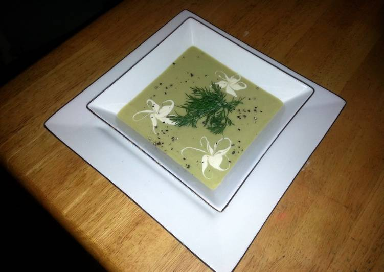 Recipe of Ultimate creamy potatoes and leeks soup