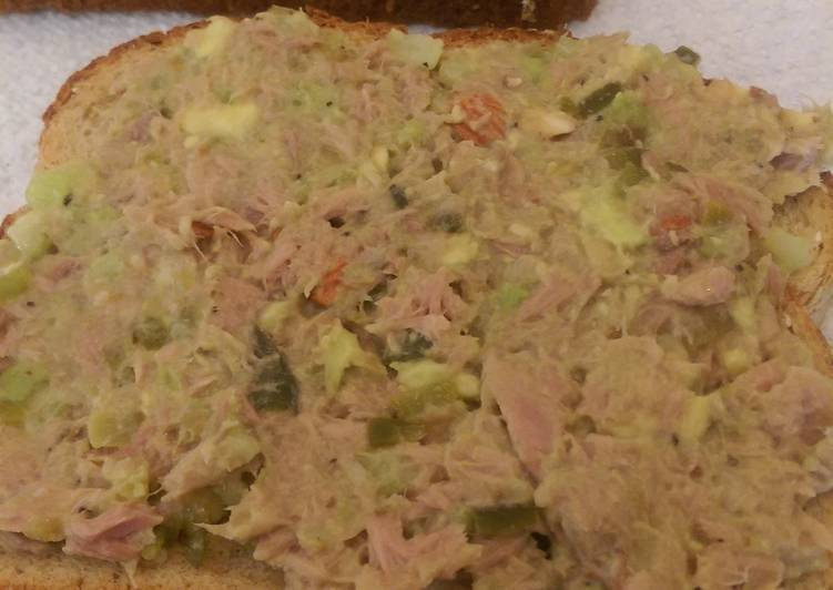 Skinny avacado tuna salad