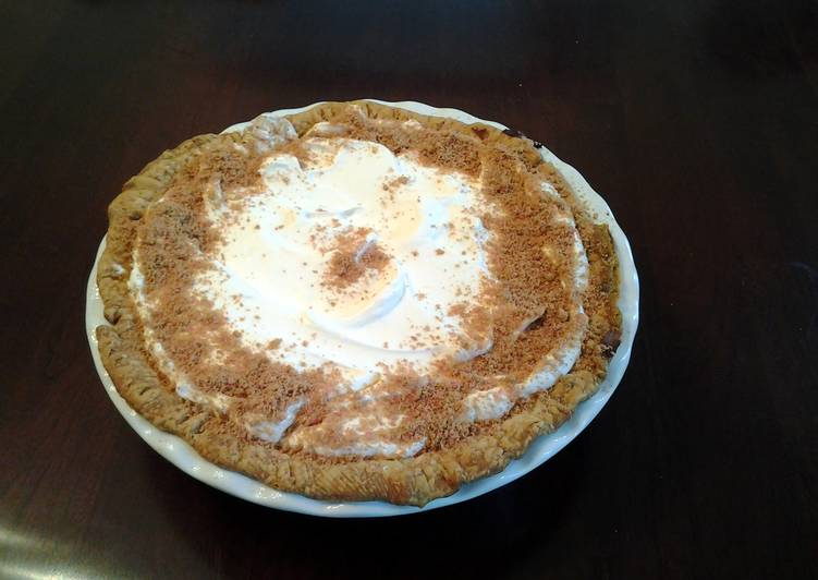 Creamy Custard Pumpkin Pie