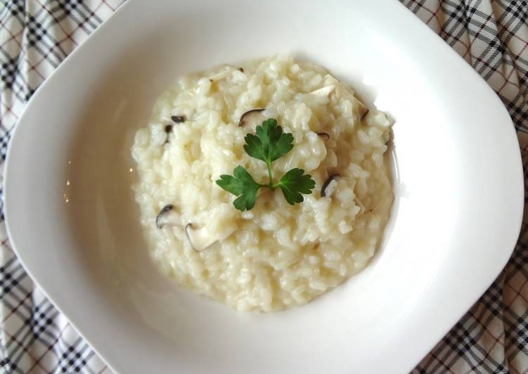 Recipe: Delicious King Oyster Mushroom Risotto (Vegan Friendly)