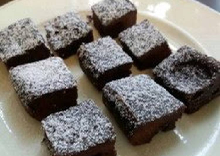 Chewy Chocolate Cake (5 Minute in the Microwave)